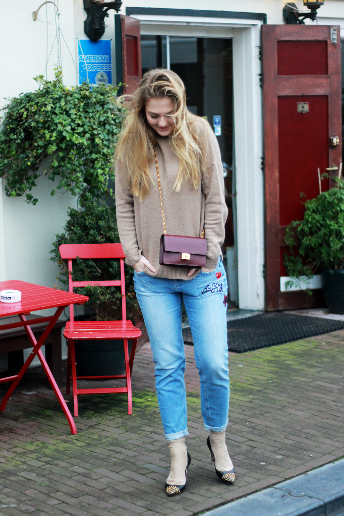 floortjeloves, why you shouldn't do it all, comma, gucci, gucci pumps, mulberry, mulberry bag, sweater, boyfriend jeans
