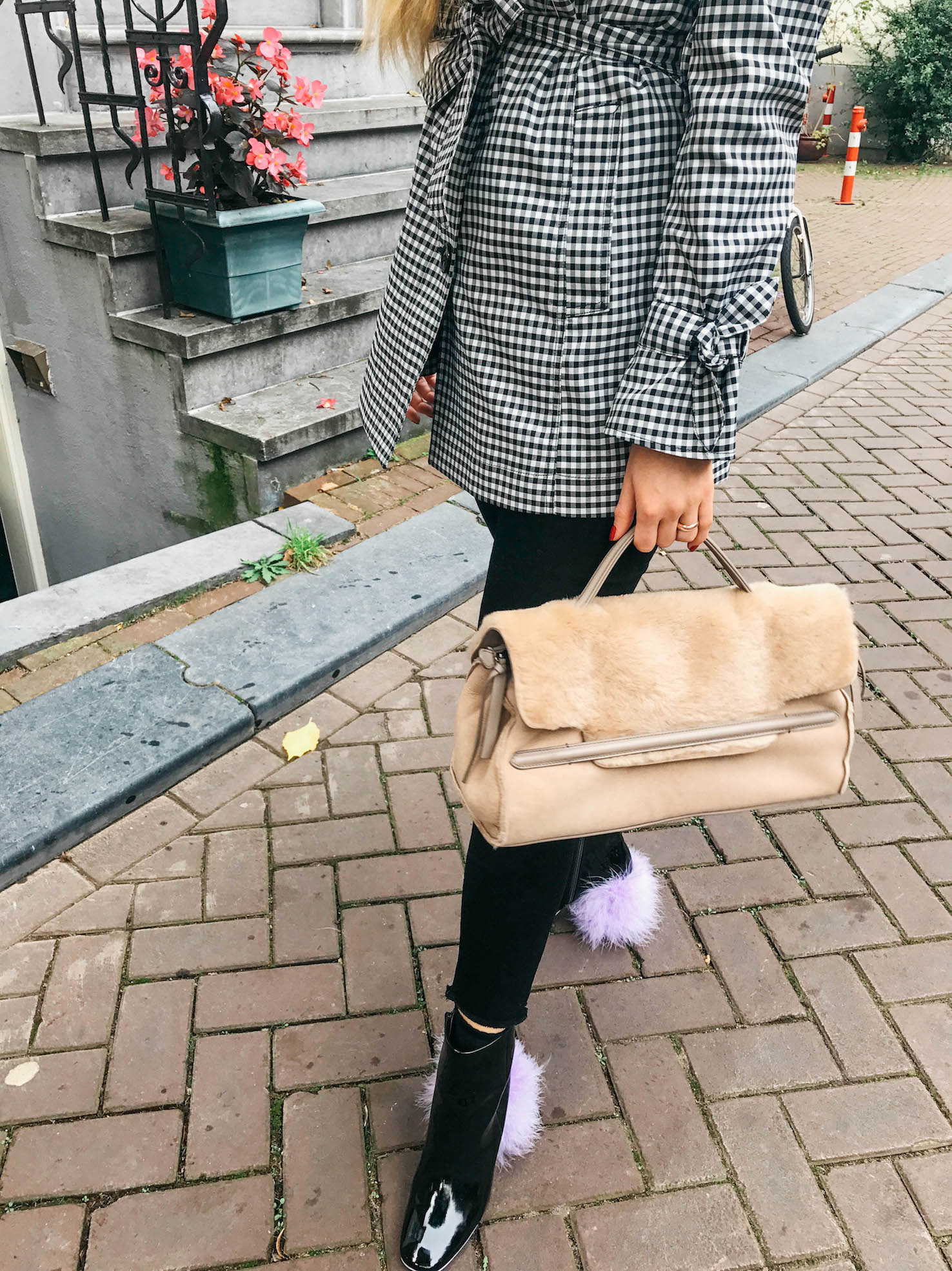 Floortjeloves, comma, river island, weekday, esprit, zanellato, checkered, checkered coat, fluffy shoes, fluffy bag, asos, checkered coat and fluffy shoes