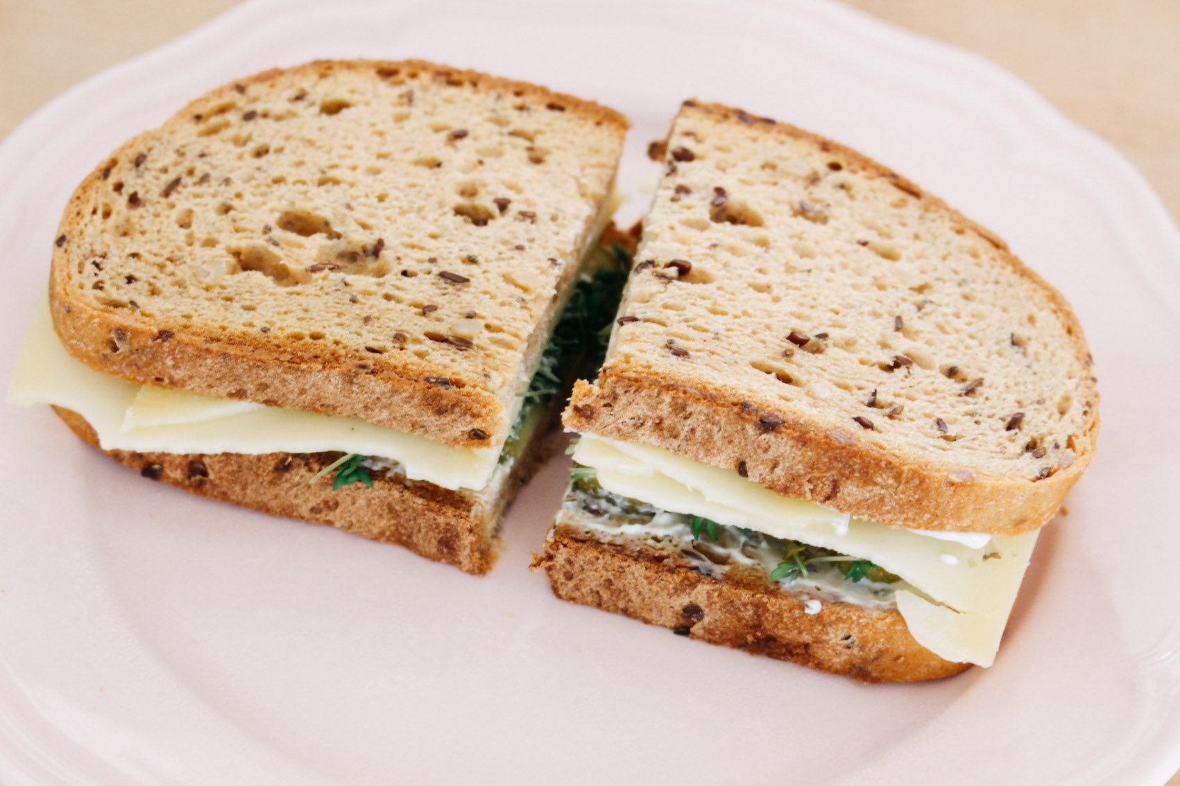 floortjeloves, smeg, smeg toaster, lunch, lunch time, double cheese bread, fresh double cheese bread, recipe, lunch, lunch recipe