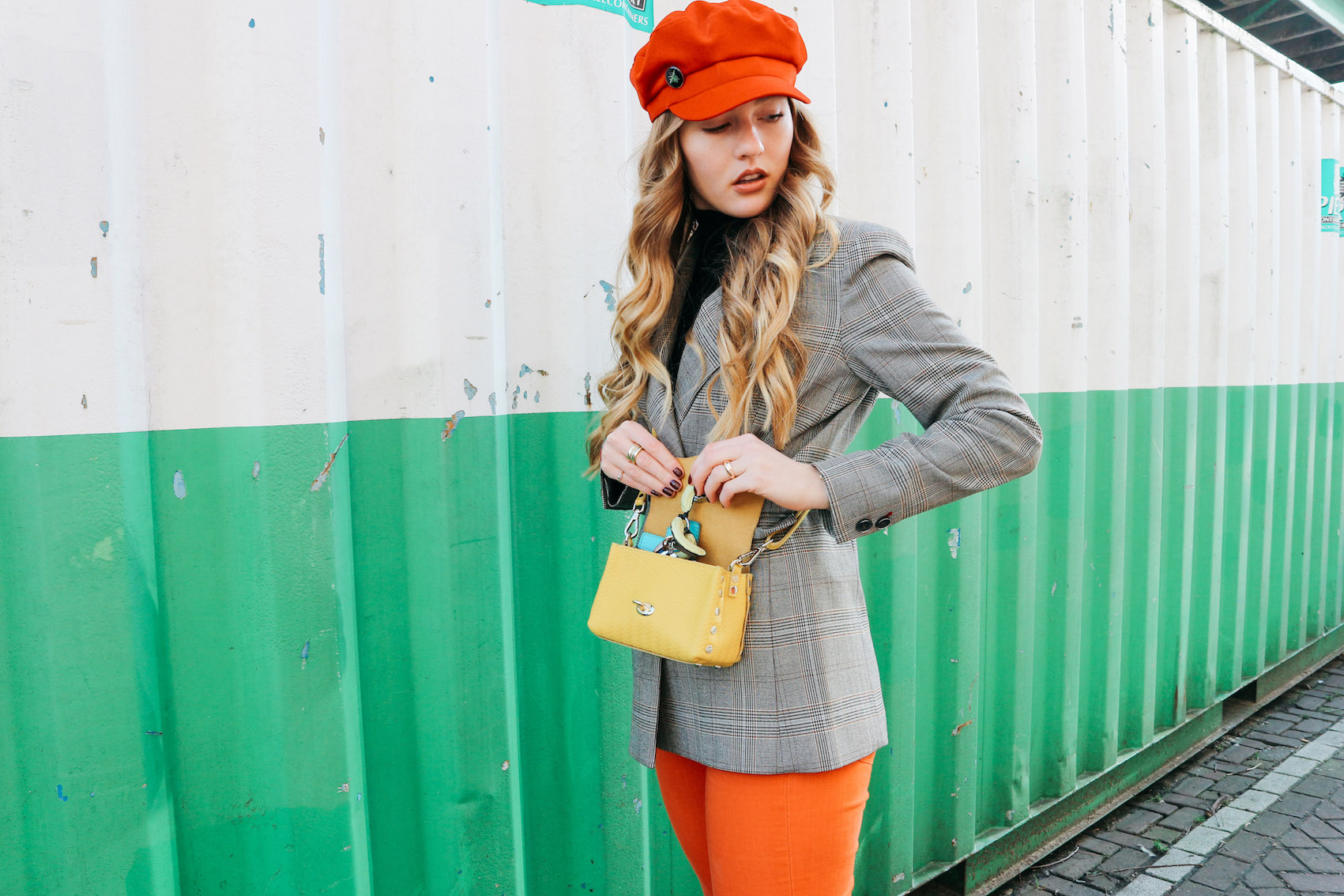 floortjeloves, mango, wolford, zanellato, zanellato postina, zanellato postina super baby, flared jeans, orange flared, yellow bag, checkered blazer, 7 for all mankind, Zara, red cap