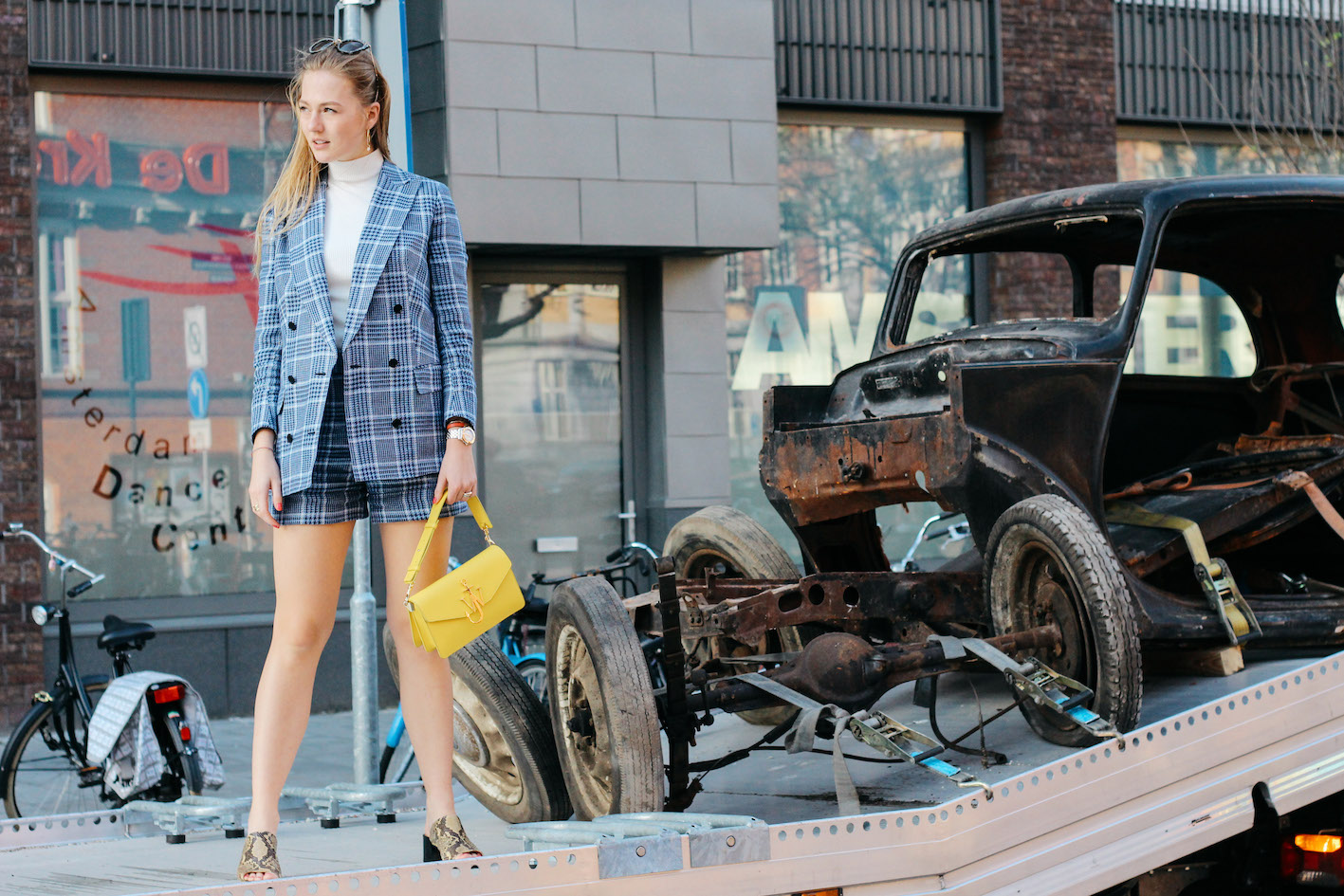 floortjeloves, suistudio, Suistudio suit, suit, tweed, tweed suit, blue suit, blazer, shorts, j.w. Anderson. jw Anderson, jw Anderson bag, Chloe sandals, mules, Chloe mules, snake print, tweed, snake print mules, miu miu sunglasses, miumiu, miu miu, miumiu sunglasses, suistudio turtleneck, suistudio top