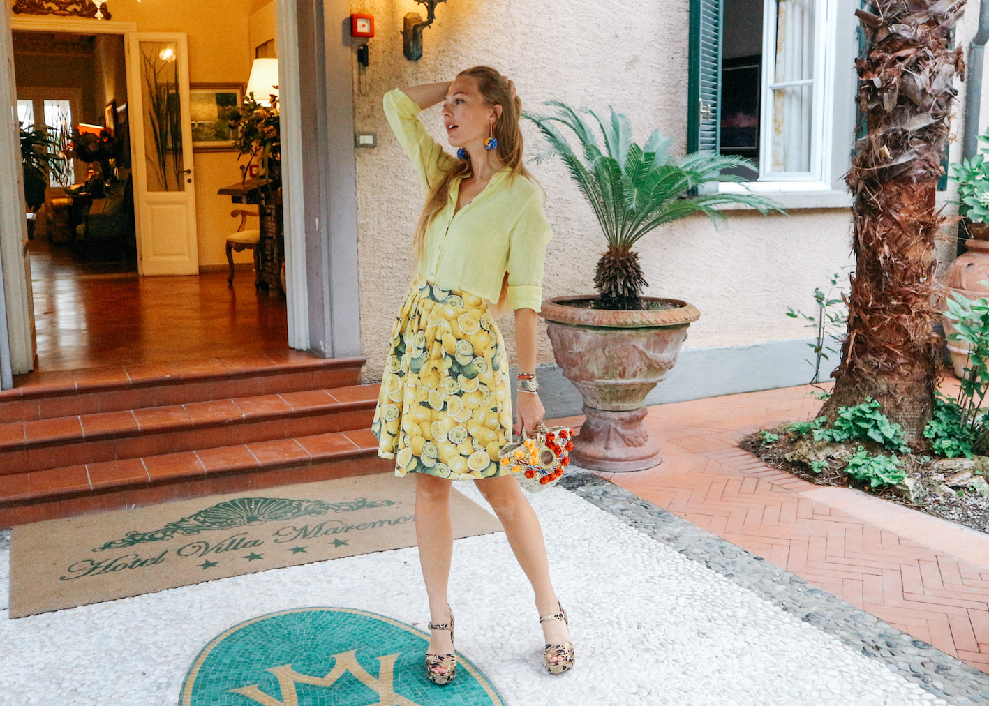 floortjeloves, diy, italy, forte dei marmi, lemon skirt, yellow, yellow lemon skirt, Sicily bag, straw bag, tory burch, killer heels