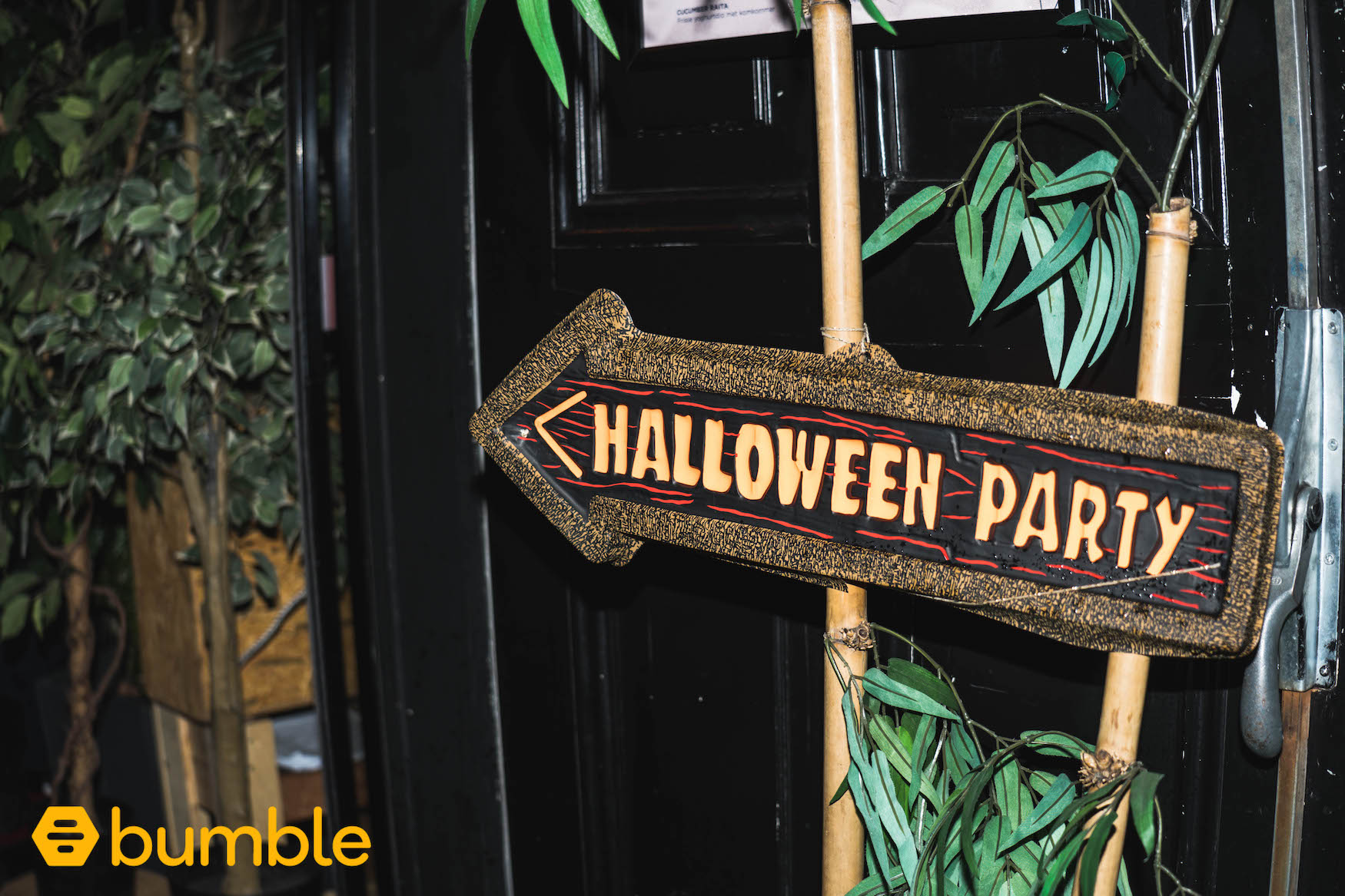 floortjeloves, bumble, bumble date, halloween, halloween party, halloween 2018, red devil, halloween outfit, halloween party, halloween make-up, after movie, Kopstootbar, Kopstootbar amsterdam, halloween amsterdam, amsterdam