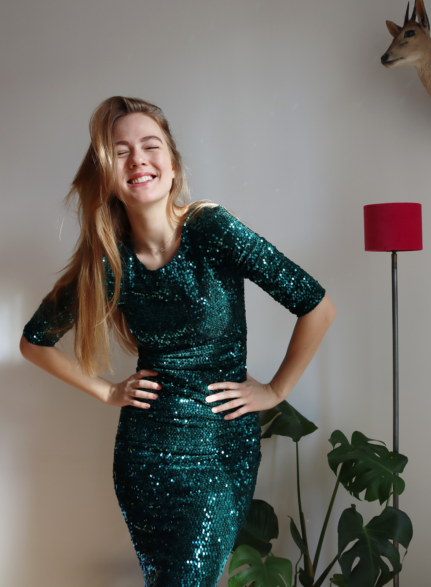 floortjeloves, sustainability, sustainable, green dress, groene jurkjes, top vintage, sequins, sequin dress, party dress, vintage