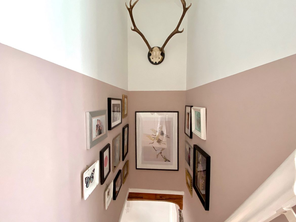 floortjeloves, diy, interior, stairway, hallway, interior inspiration, interior design, decoration inspiration, collage, picture frame, photo wall, painting, flamant, flamant rose, pink wall, geometric wall
